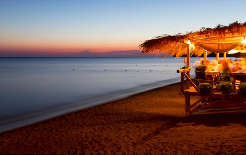 Région d'Eressos, coucher de soleil sur la plage Skala