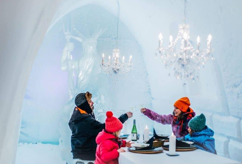 Restaurant de glace, famille, Finlande