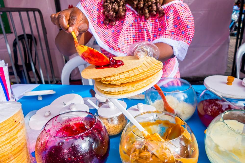Vendeuse de galettes/crêpes dans les rues de Bogota