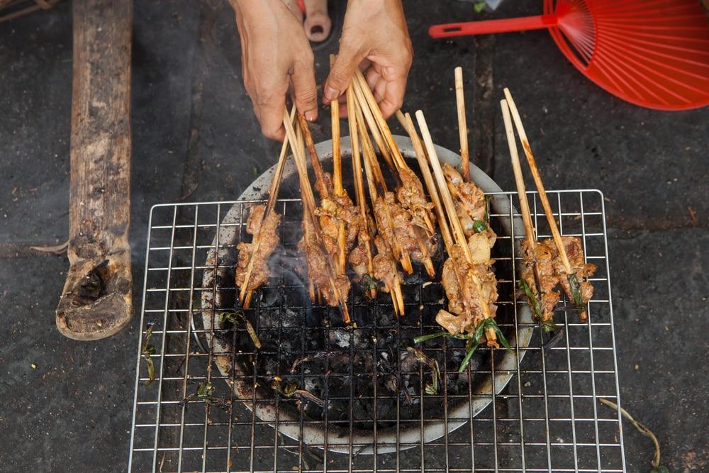 Viande sur barbecue au Vietnam