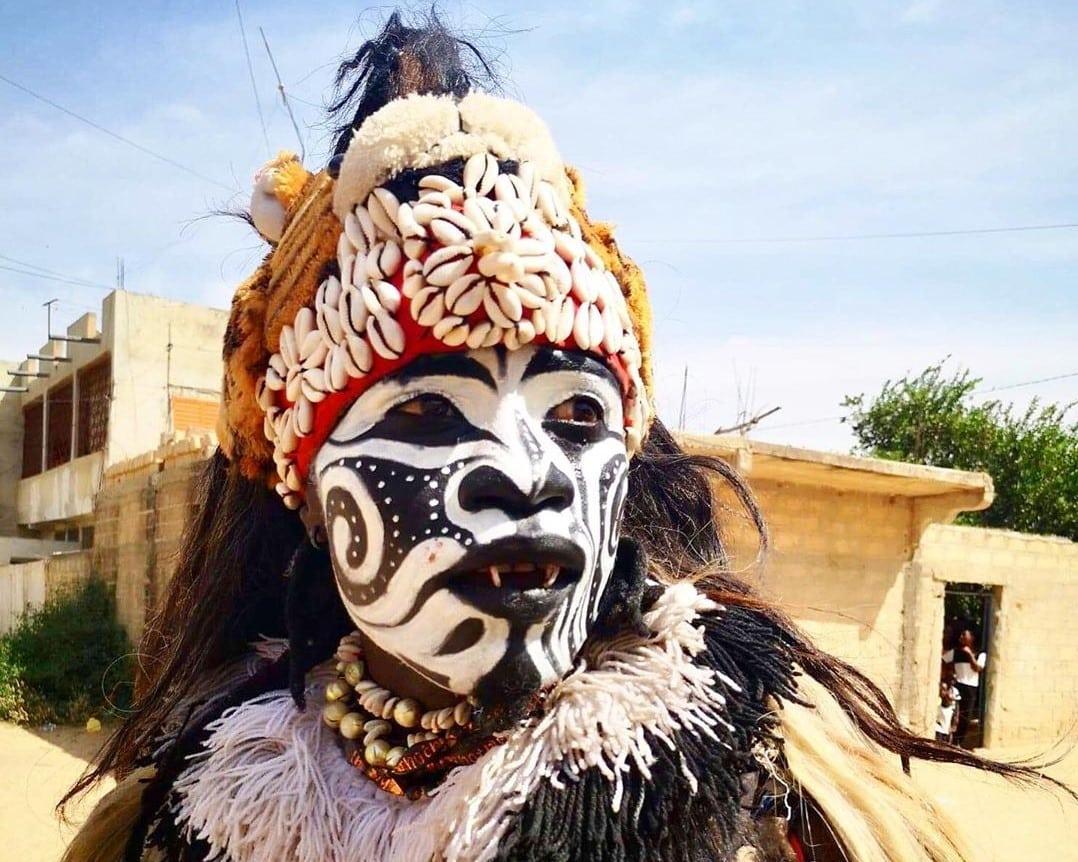 Danseurs, faux lions ville de thiès
