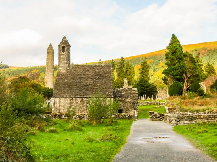 Le site monastique Glendalough. Glendalough Valley, Wicklow Mountains National Park, Irlande