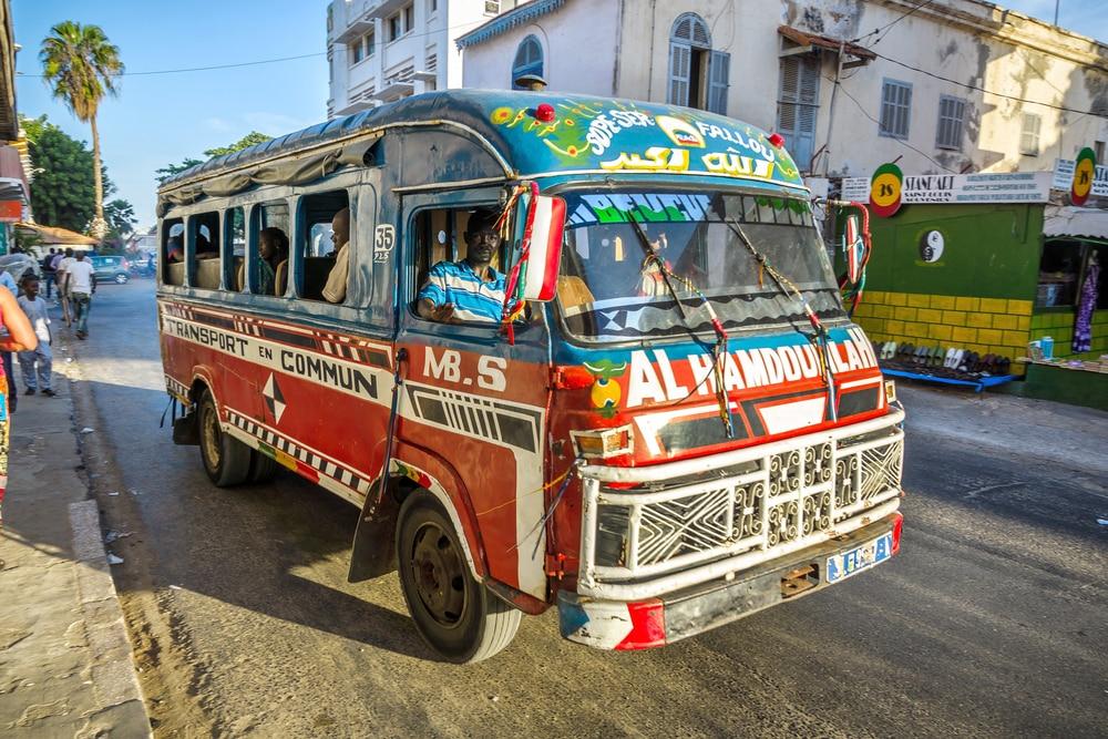 Saint-Louis, Sénégal, mini-bus