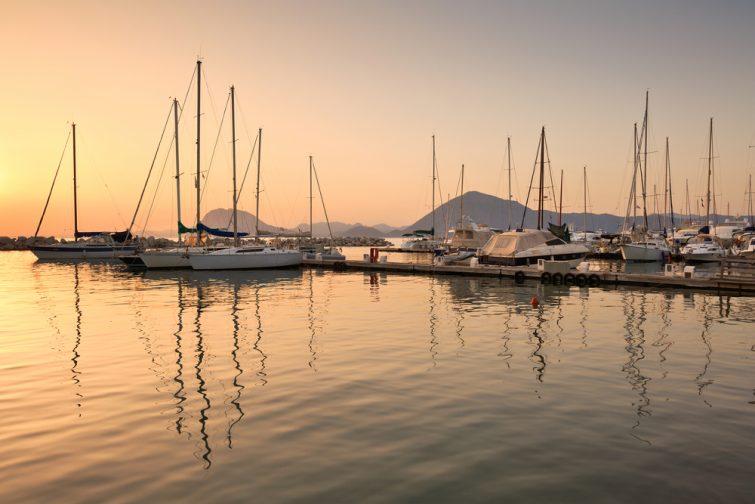 Visiter et louer un bateau à Patras