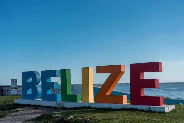 Le Belize Sign Monument