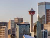 La Calgary Tower et la skyline