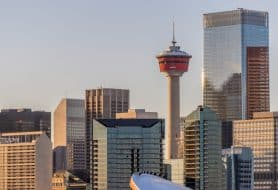 La Calgary Tower et la skyline