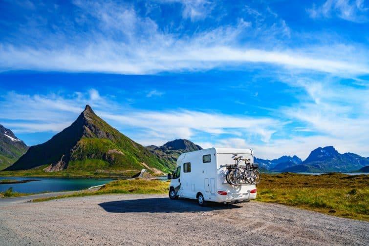 Camping-car en pleine nature