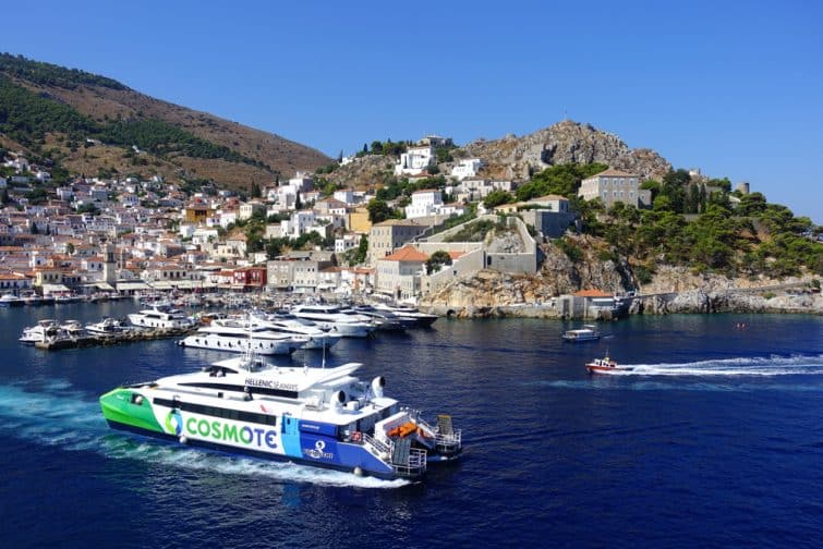 ferry hydra grèce