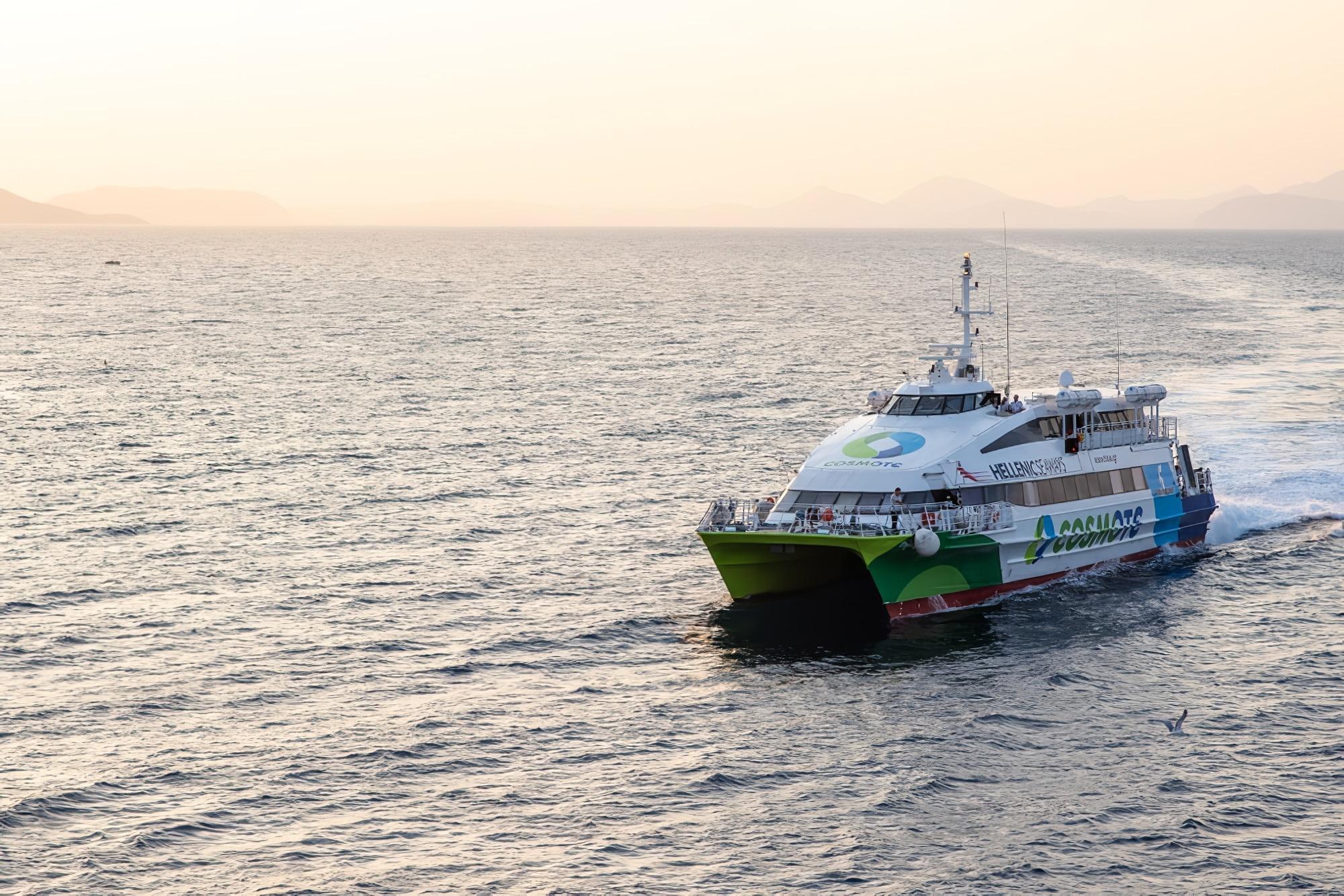 ferry hydra, grèce