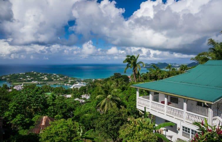 Vue sur Vigie Beach depuis Fortune Mount, Castries, Sainte-Lucie