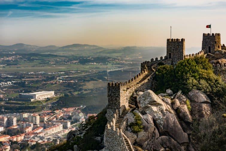 Coucher de soleil sur le château des Maures à Sintra