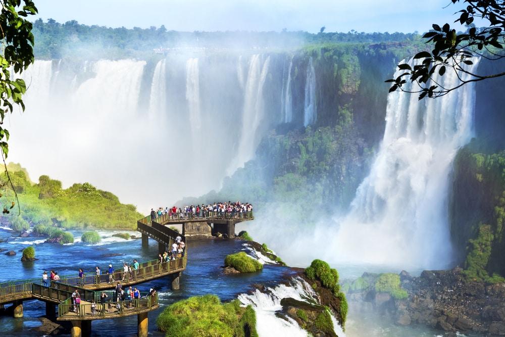 Chutes d'Iguazu à la frontière du Brésil et du Paraguay