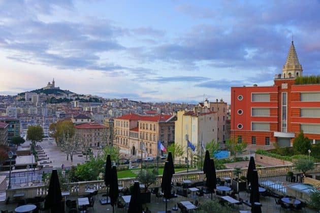 Les 9 meilleurs rooftops où boire un verre à Marseille
