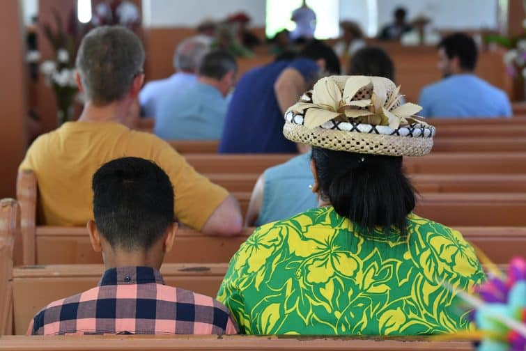 Locaux à la messe, Îles Cook