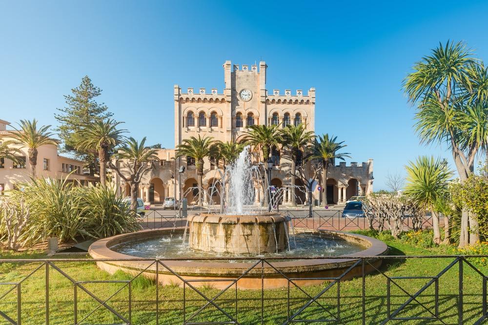 Fontaine de l'Hôtel de ville de Ciutadella visiter les îles Baléares