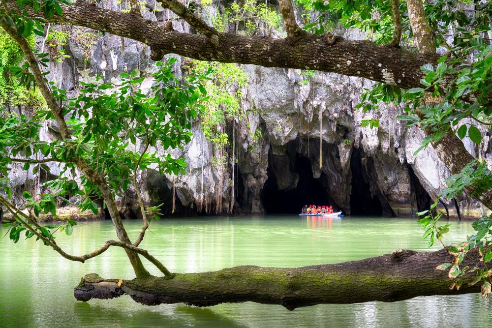 Canoë Kayak dans les grottes, rivières de Puerto Princesa, Philippines