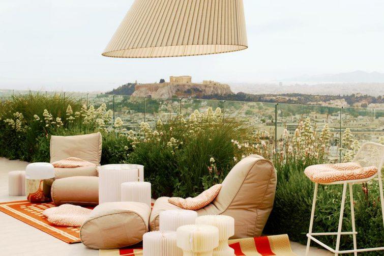 Espace détente avec vue sur Athènes à l'hôtel Saint Georges Lycabettus, Athènes