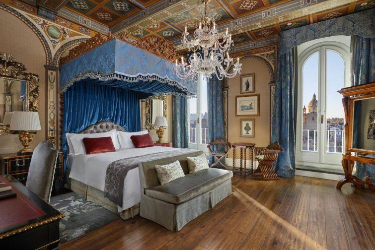 Chambre à l'hôtel The St. Regis Florence