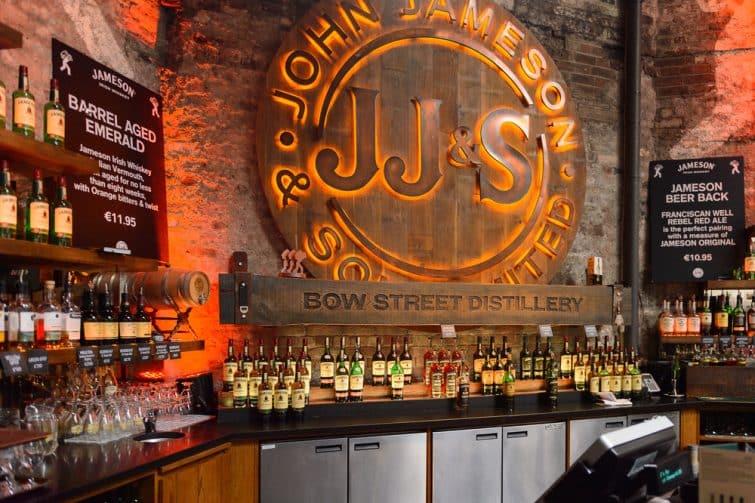 Café bar de la Distillerie Jameson à Dublin