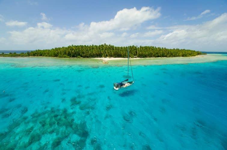 Voilier dans les Îles Cook