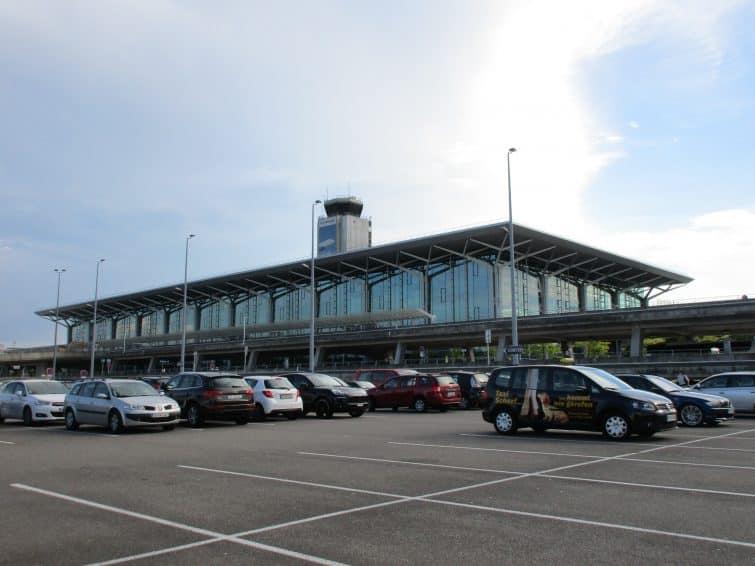 Aéroport_de_Bâle_001