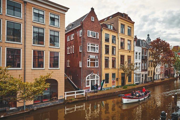 Bateau sur le canal de l' Utrecht, Amsterdam