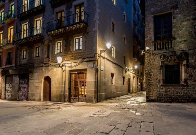 Rue vide de Barri Gotic la nuit, Barcelone