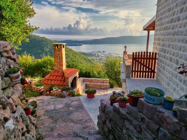 Village de Gornja Lastva, Tivat, Montenegro
