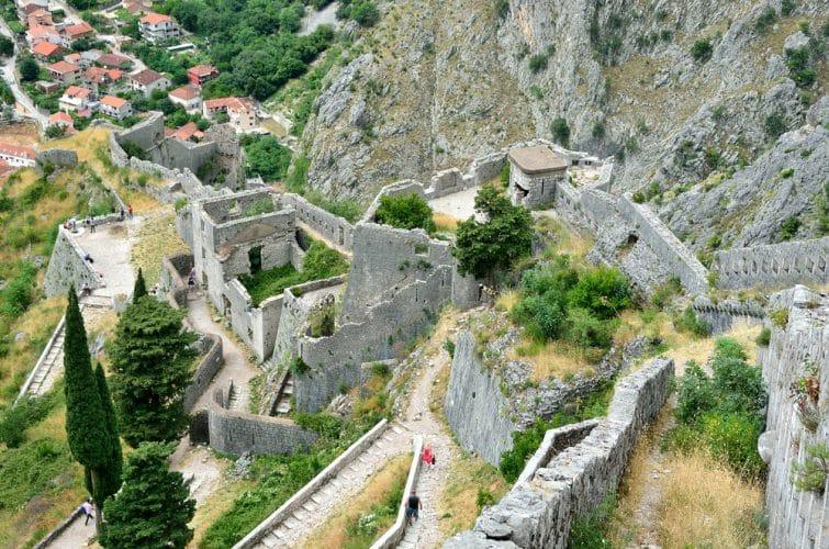 Monténégro, Kotor, vieille ville, ancienne forteresse