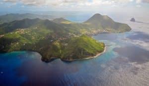 Parapluie de plage sur l'île des Caraïbes, Martinique
