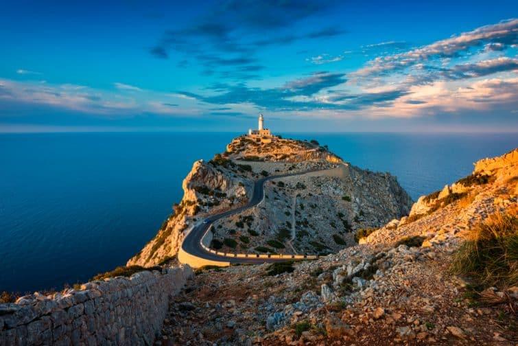 Phare du Cap de Formentor Majorque Espagne autour du coucher du soleil