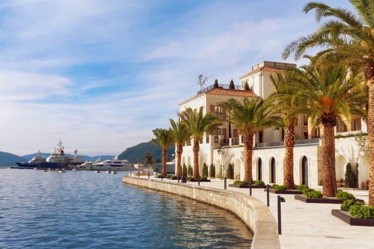 Maisons et yachts à Porto Montenegro, Tivat
