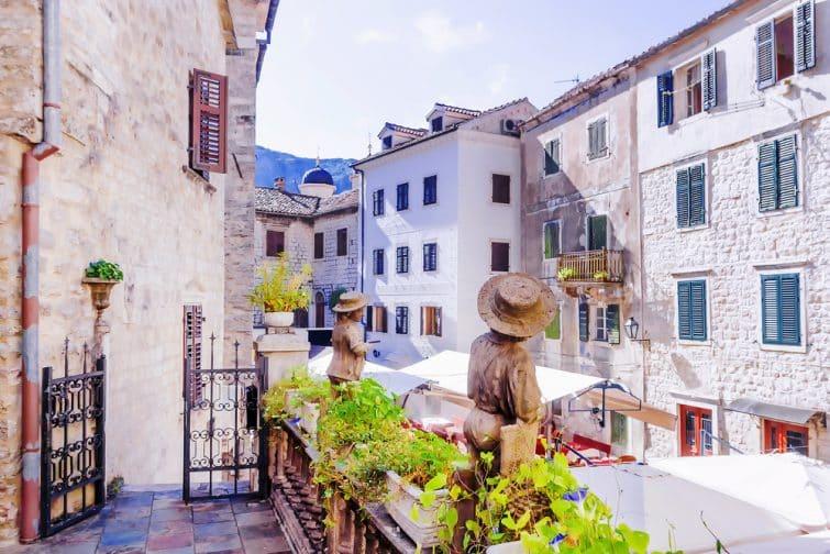Rue de la vieille ville de Kotor, Monténégro