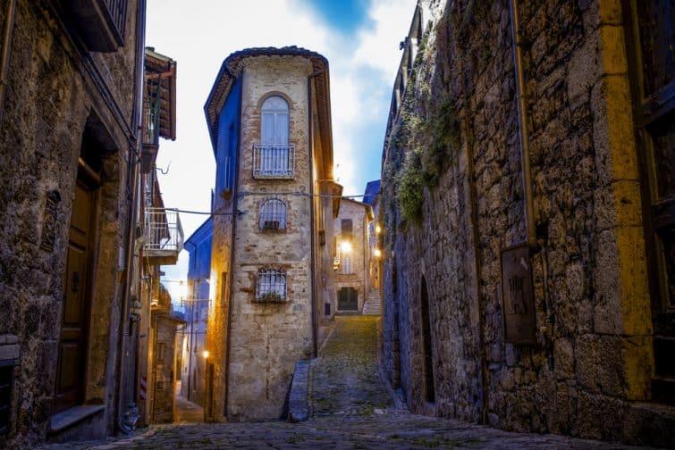 Le village de Civitella del Tronto, dans les Abruzzes