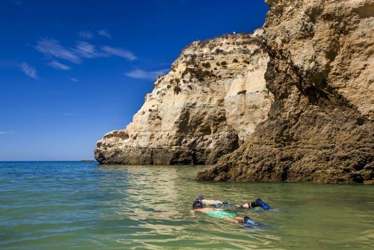 Observer les fonds marins à Portimao
