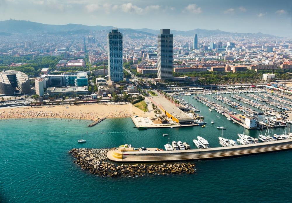 Vue aérienne du Port de Barcelone - location jet ski Barcelone