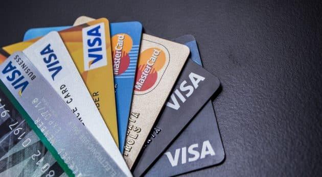 Cartes Bancaires : quelles assurances voyage