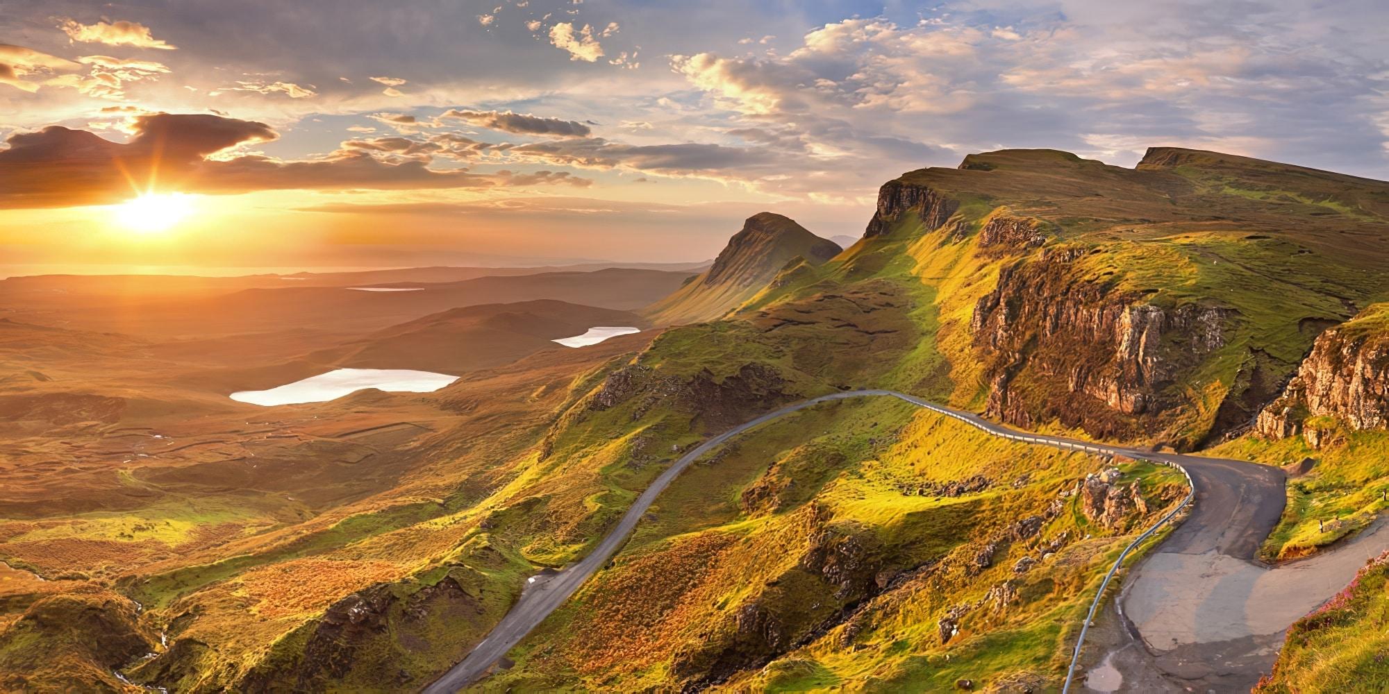 Lever de soleil sur le quai de l'île de Skye en Écosse.