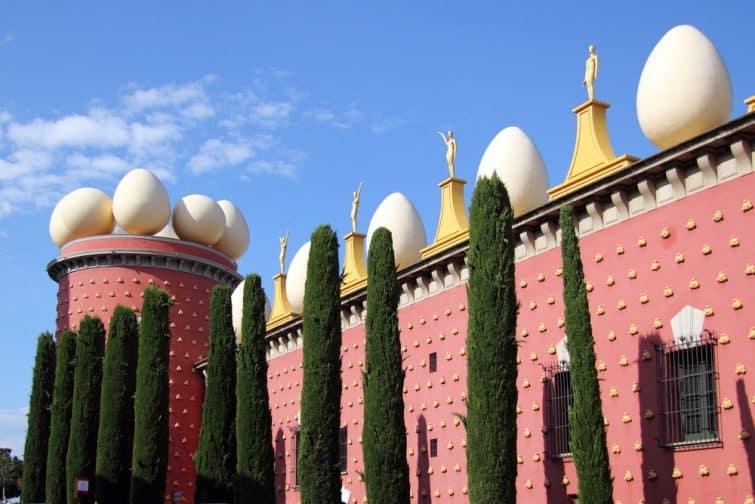 Façade du Musée Salvador Dalí