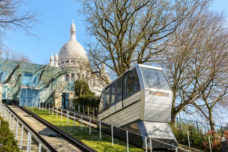 Funiculaire de Montmatre permettant d'accéder à la Basilique du Sacré Coeur, Paris