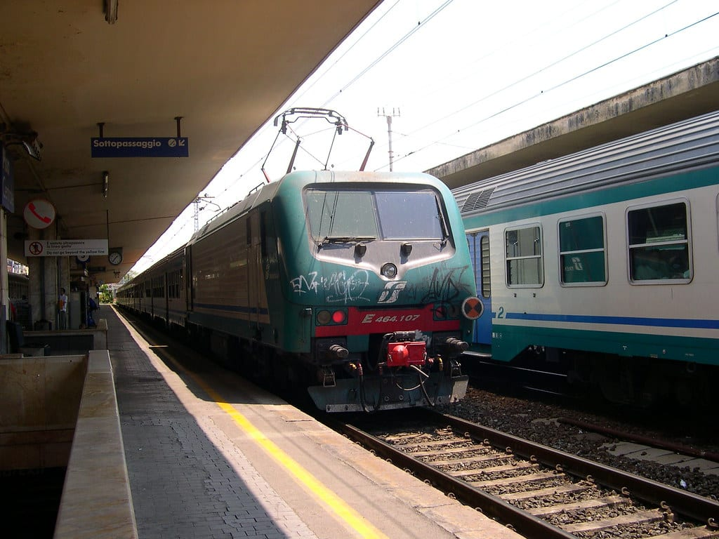 Train à Gênes