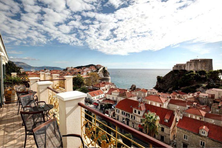 Terrasse avec vue sur la ville de Dubrovnik, Hôtel Hilton Imperial