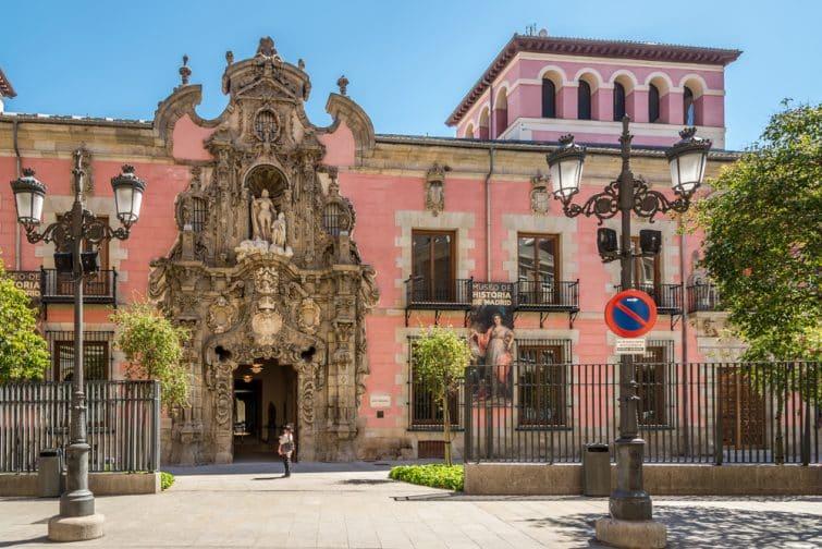 Entrée du musée de l'Histoire de Madrid, 'ancien Hospice de San Fernando