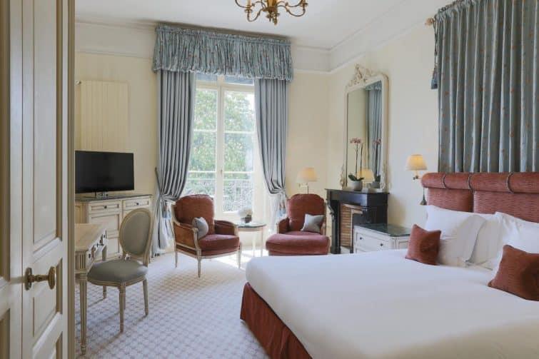 Chambre dans l'hôtel beau rivage à Genève