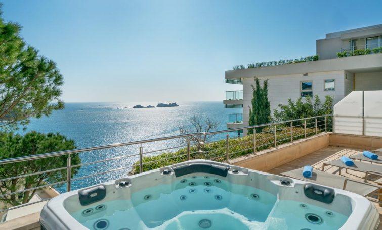 Jacuzzi sur la terrasse de l'hôtel, vue sur mer, Hôtel More, Dubrovnik
