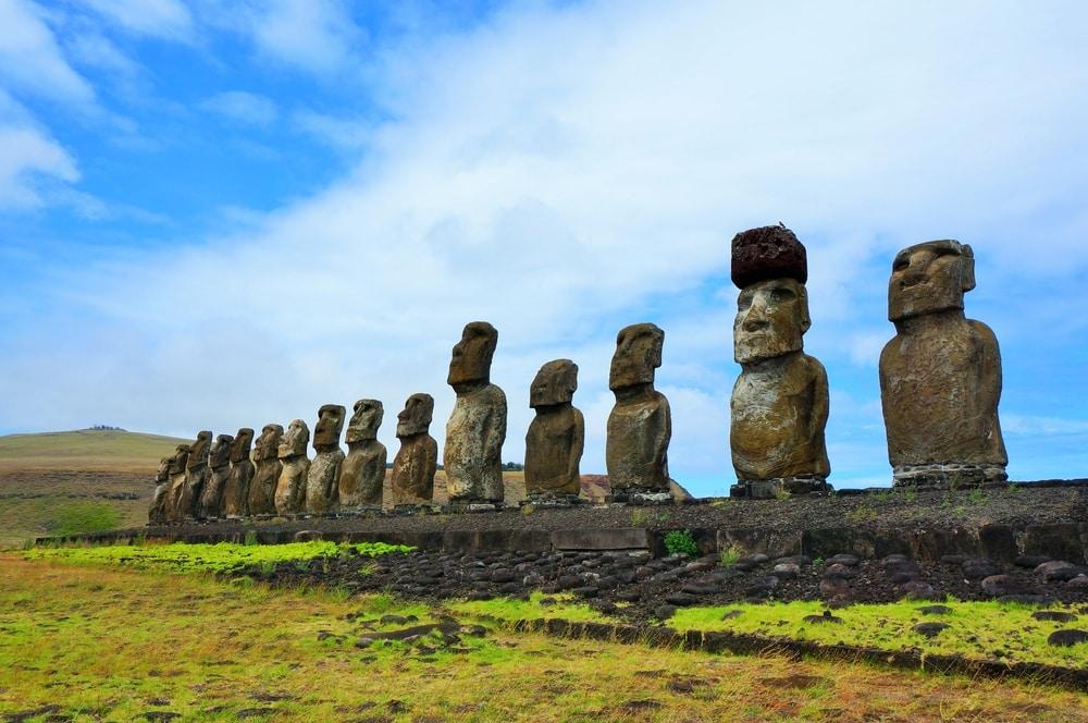 Les Hommes de pierres de l'Île de Pâques