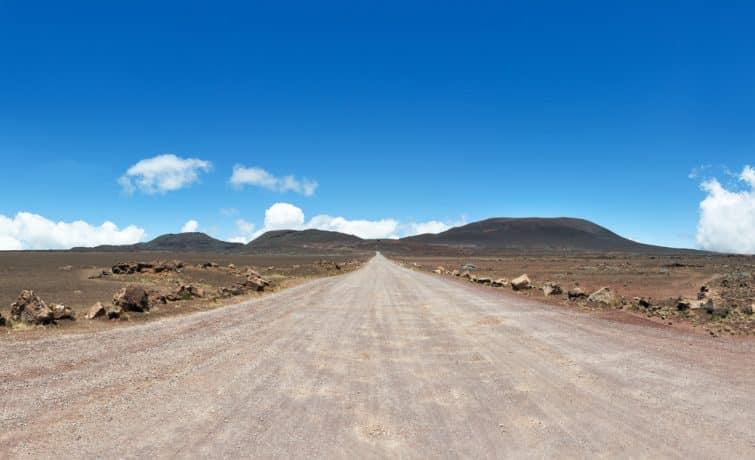 la plaine des sables sur la route menant au piton de la Fournaise, volcan de l'île de la réunion, océan indien.