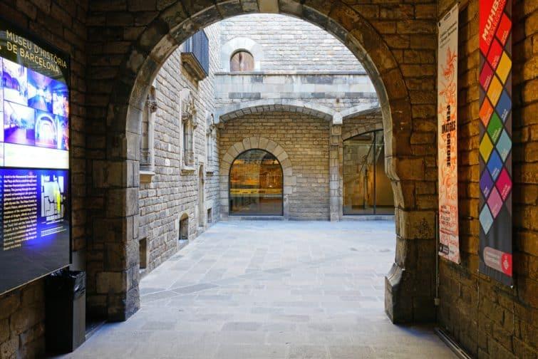 Intérieur du musée de l'histoire de Barcelone