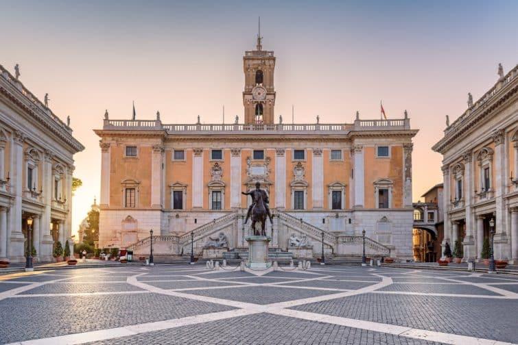 Capitole à Rome au lever du soleil. Piazza del Campidoglio sur la colline du Capitole, Rome, Italie.